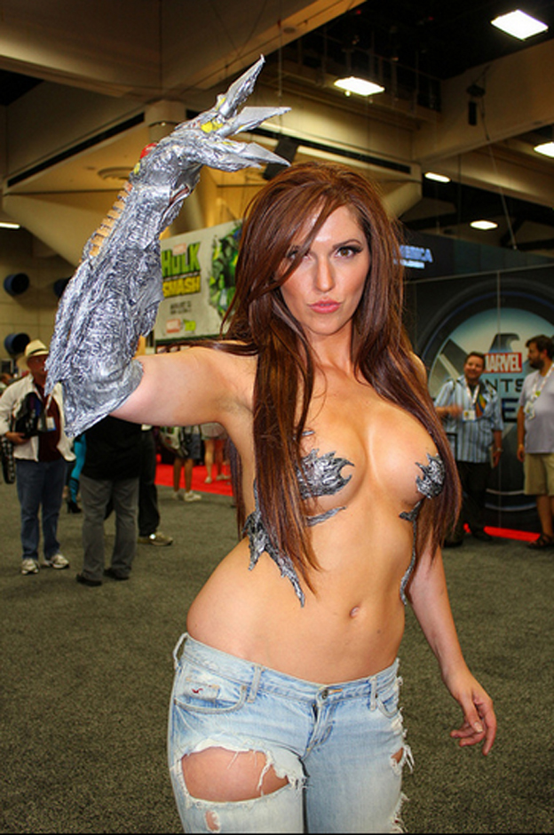 Top 10 hottest cosplay